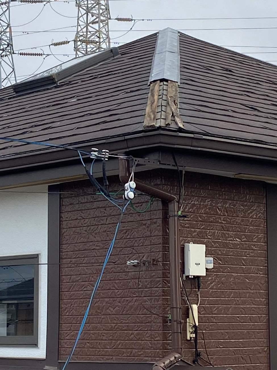 刈谷市西境町にて、風で飛んだ棟板金の修理の現地調査に伺いました