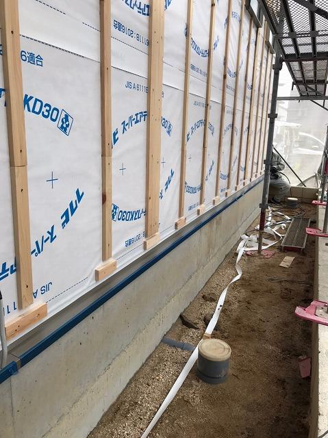 岡崎市八幡町にて、はるかべ工法用の外壁サイディング施工です